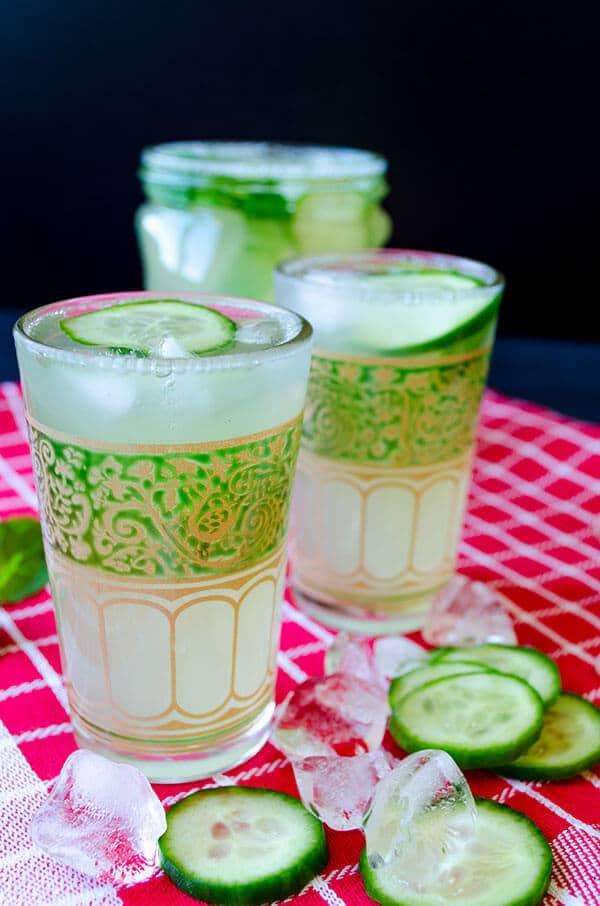 鲜黄瓜giverecipe.com柠檬水| | #薄荷柠檬柠檬水# #黄瓜# # # # #夏季饮料喝