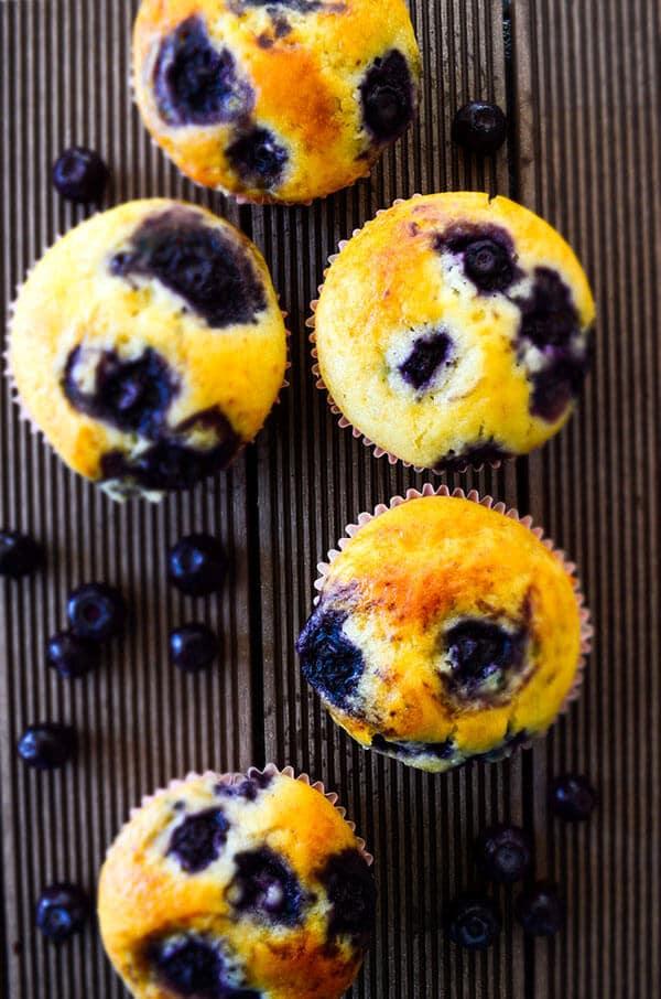 giverecipe.com容易蓝莓松饼| | # # #蓝莓蓝莓松饼# #烘焙甜点