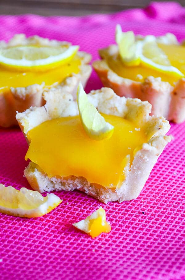 柠檬柠檬酱小果馅饼giverecipe.com | | #小果馅饼# #柑橘# # summerrecipes # lemoncurd狗万