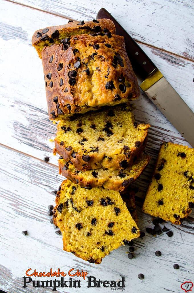 南瓜面包巧克力面包切片光背景