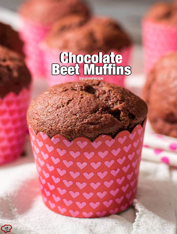 巧克力甜菜松饼。丰富的纤维和抗氧化剂。第二天早上做这些为你的孩子!——giverecipe.com